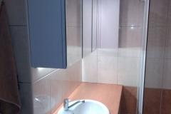 Meble-łazienkowe-z-lustrami
